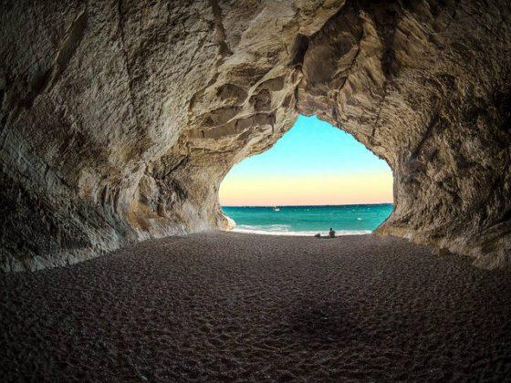 洞窟 夢占い